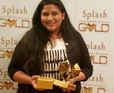 Simran receiving the Splash 'Heart of Gold' award